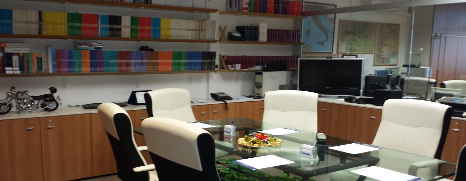 Consultmedia sala riunione 2 - Chi siamo